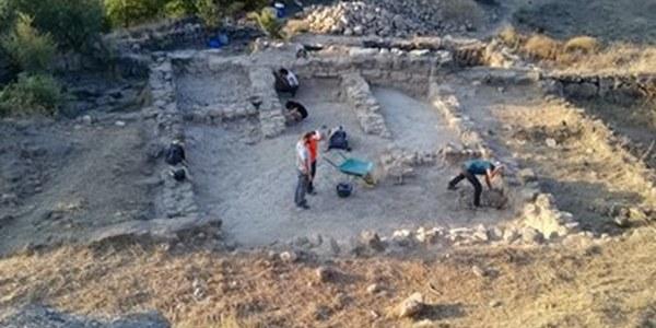 Foto 1. Pati de la vil·la fortificada de la Codina durant les excavacions del 2021. CEL