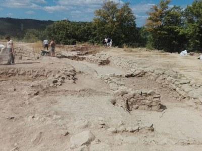 El Centre d'Estudis Lacetans inicia un any més les excavacions arqueològiques al Castellvell (Olius) i a Sant Miquel de Sorba (Montmajor)