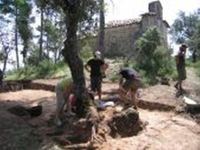 Excavacions arqueològiques a Sant Miquel de Sorba